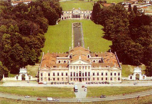 Interni Di Villa Pisani : A scuola in villa